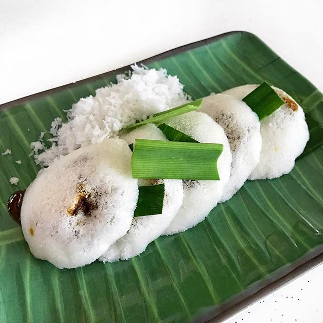 When the going gets tough, keep calm and Putu Piring on 🙌 .