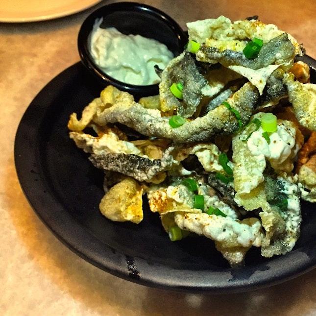 Crispy salmon skin, perfect bar food at Harry's :) #crispy #salmonskin #barfood #sgfood #foodporn #burpple