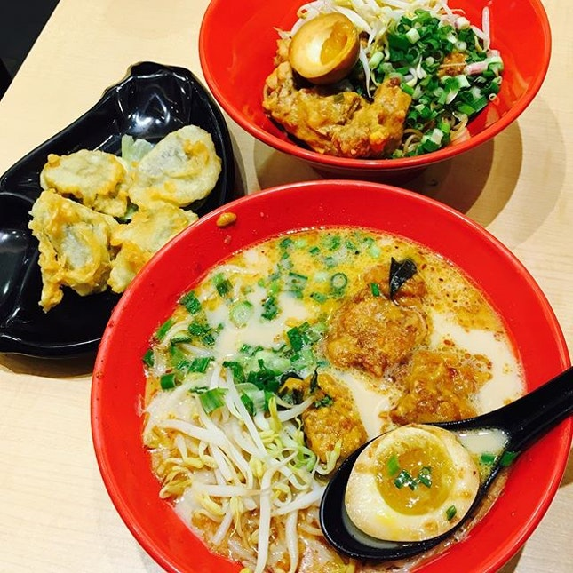 With the current unpredictable rainy season, a bowl of piping hot ramen is definitely a comfort to the soul!