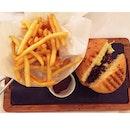 The B Burger