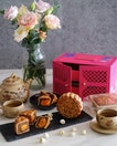 Celebrate joyous reunion this Mid-Autumn Festival with Man Fu Yuan's mooncakes.