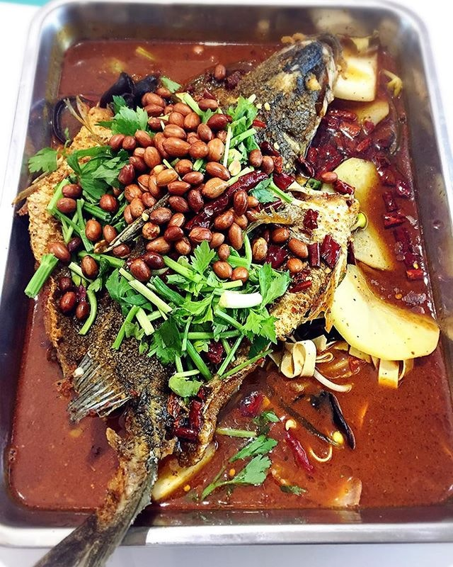 5 October 2017: Chong qing grilled fish with my neighbour!