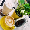 Coffee for the day: Iced Latte (3/5) & Flat White (3.3/5) the coffee is slightly light =_= & no food except dessert!