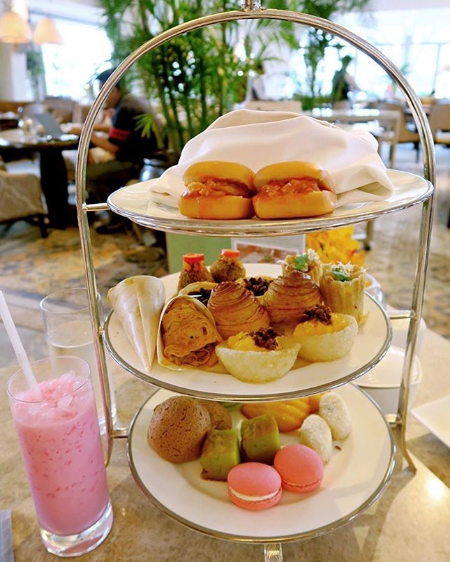 Heritage Buffet hightea - $45++/pax I love high tea sessions where you can sip on a cuppa and indulge on both savouries and sweets.