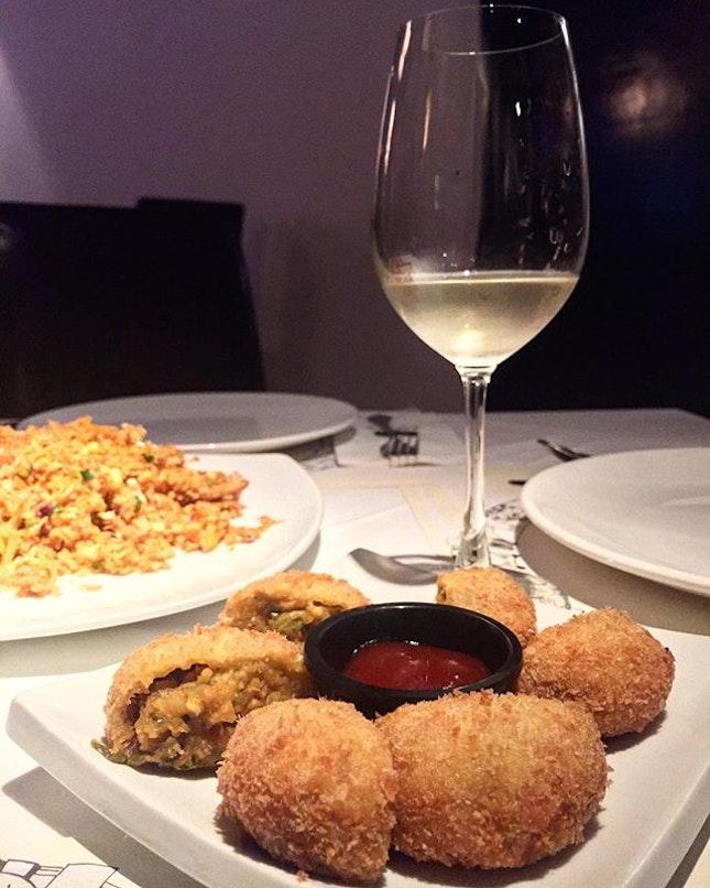 A different kinda dinner last night, trying out Sri Lankan cuisine @aliyaa_kl , Bukit Damansara.
