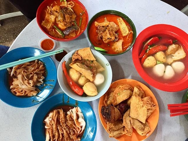 Yummylicious yong tau fu, chee cheong fun and curry mee @ Madras Lane, Petaling Street.