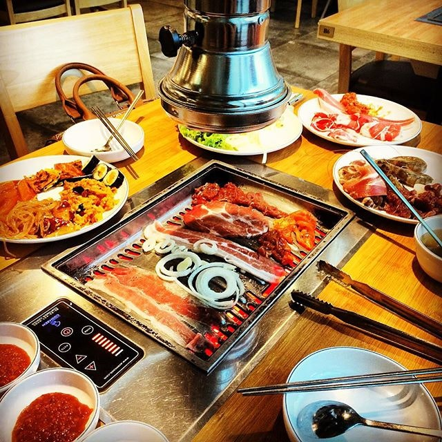 Korean BBQ buffet for dinner on Monday, all beefed-up for the week ahead!