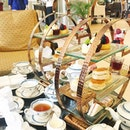 Yesterday's table situation ☕️🍰🍭🍩 #colonialcafe #majestichotelkl #afternoontea #girlstime