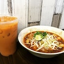 Good choice of Tom yum (peanut-based) Thai boat pork ball noodles in this chilly weather!