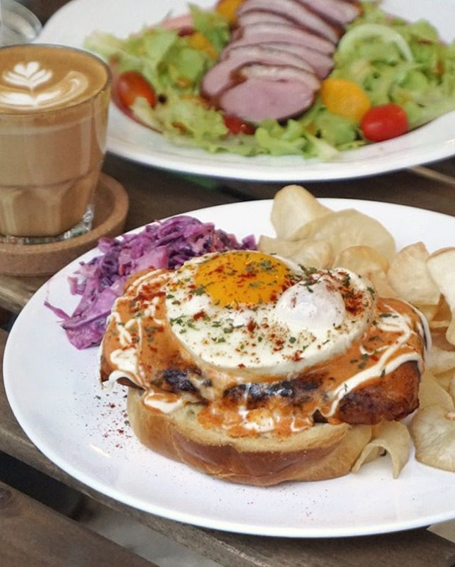 Make sure you don't miss out this Fat Otah Toast ($15.90) the next time you visit the new @blackandink!