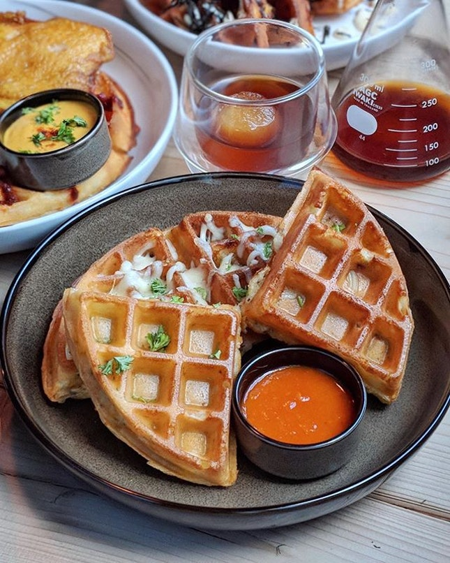 Signature Mac & Cheese Waffle ($13.80) Truffle mac & cheese waffle with jalapeno served with curried tomato relish.