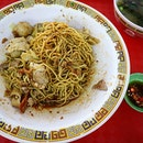 It has been days of craving for this bakchormee (minced pork noodle).