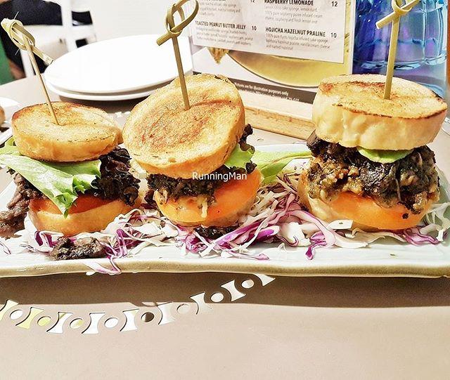 Beef Sliders (SGD $16.90) @ Tanuki Raw.