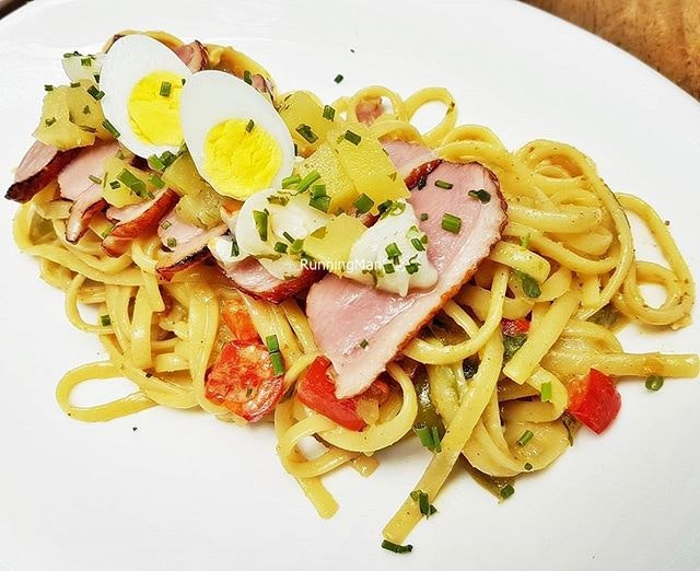 Green Curry Lychee Duck Linguine (SGD $19) @ Five Marbles Craft Beer Restaurant.