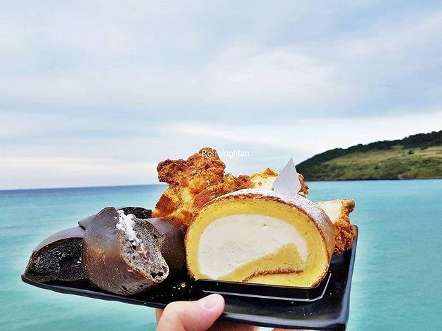 Gravel Bread, Chestnut Bread, Milk Roll Cake @ Cafe Delmondo.