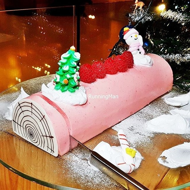 Pink Champagne Lychee With Petit Marshmallow Yule Log Cake @ Element Restaurant.
