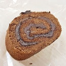 Swiss Roll Chocolate (SGD $10) @ Rich & Good Cake Shop.