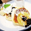Pineapple Tapioca Pearl Souffle Pancake (SGD $12.80) @ Tamago-En.