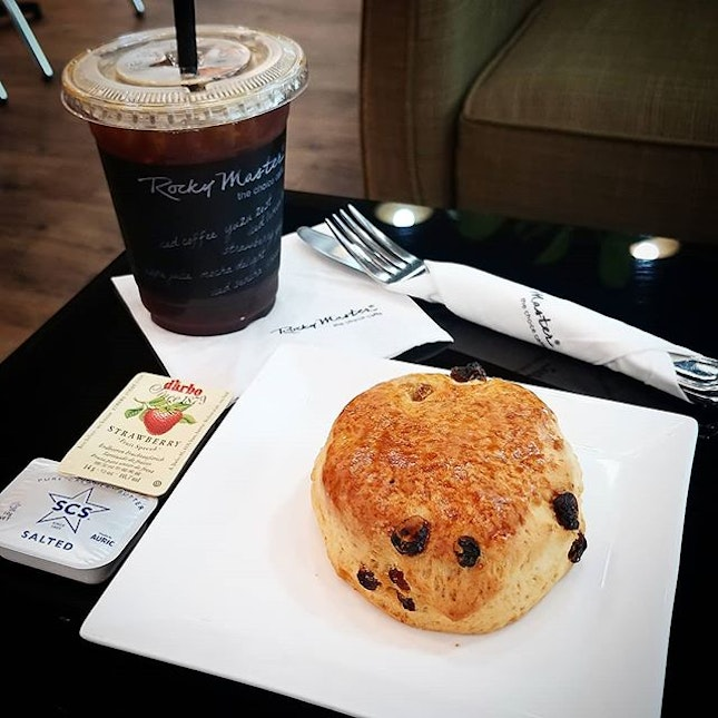 Morning Coffee at @rockymaster_sg  with scone and iced Americano.