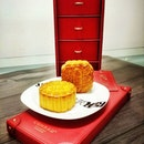 Celebrate this Mid-Autum Festival with Traditional Baked Mooncakes from @conradsingapore .