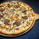 Assorted Mushroom Pizza at @thegongdnc .