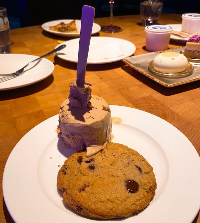 "LUKE's Chocolate Chip Cookie + Blue Label ""Hoodsie"" Ice Cream Cup (S$4 + 7)"