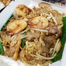 💚 [GRAB FOOD] Penang Culture ~ Penang Fried Kway Teow(S$10.22) 💚  A piping hot plate of wok hei-kissed fried kway teow with succulent prawns to kickstart the week.