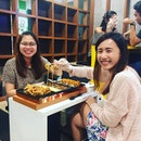 Happy customers having our new hotplate chicken!