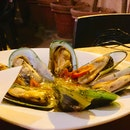 Cozze in White Wine Sauce [$14.90]
