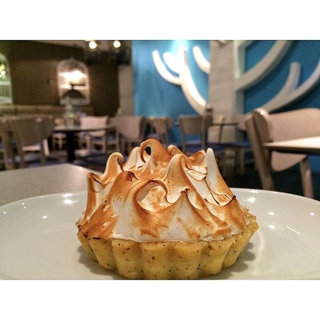 •Life of Pie• Capped with a cloud of bruléed marshmallow meringue, this lemon meringue pie is a real showstopper.