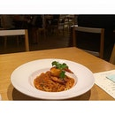 🍝🍤 ℱarmed King Prawn ℒinguine If this dish were a place, it would be a sunny fishing village.