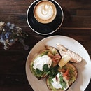Finally a good cuppa coffee ☕️ and a hearty brunch🍴
