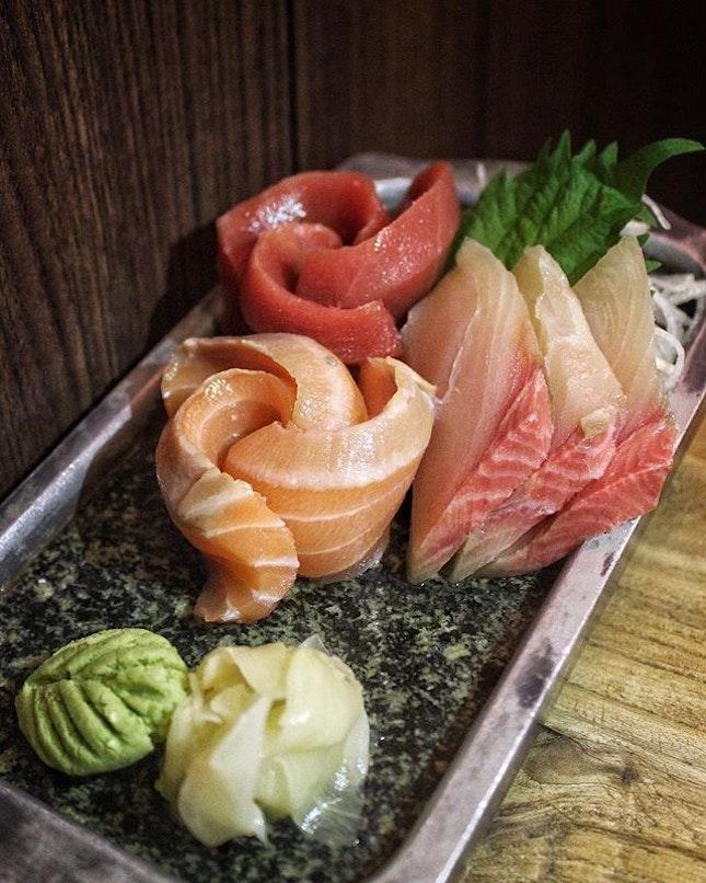 Sashimi Moriawase, Fresh and Thickly sliced Sashimi in 3 kinds-Maguro Akami, Hamachi, Salmon.