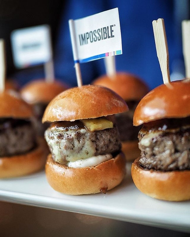 Start from today, Marina Bay Sands launch the Impossible 2.0 @impossible_foods the breaking plant-based meat, contains no gluten, cholesterol, animal hormones and antibiotics.