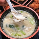 @faai.di Sliced fish soup ($9.90) Put those ultra strong muscles into lifting thick, silky rice noodles plunged in a rich milky broth with school of fresh mackerel slices.