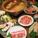 """NEW [MAKINO] at @payalebarquarter features """"do-it-yourself"""" style shabu-shabu, where you can savour the goodness of fresh seafood, meat and vegetables, cooked according to your preference."""