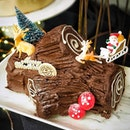 Enjoy whole Classic Log Cake and two Christmas Party Packs (20 pcs) @coffeebeansg at a special price of $88.00 (Usual Price $118.80).