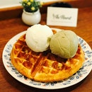 Double scoops (mixed) [$7.90] on waffle [+$5.50] = [$13.40] Served with a sauce of your choice (chocolate, earl grey caramel, maple, salted caramel), the waffles were thick, fluffy with and ideal crispness on its golden brown exterior.