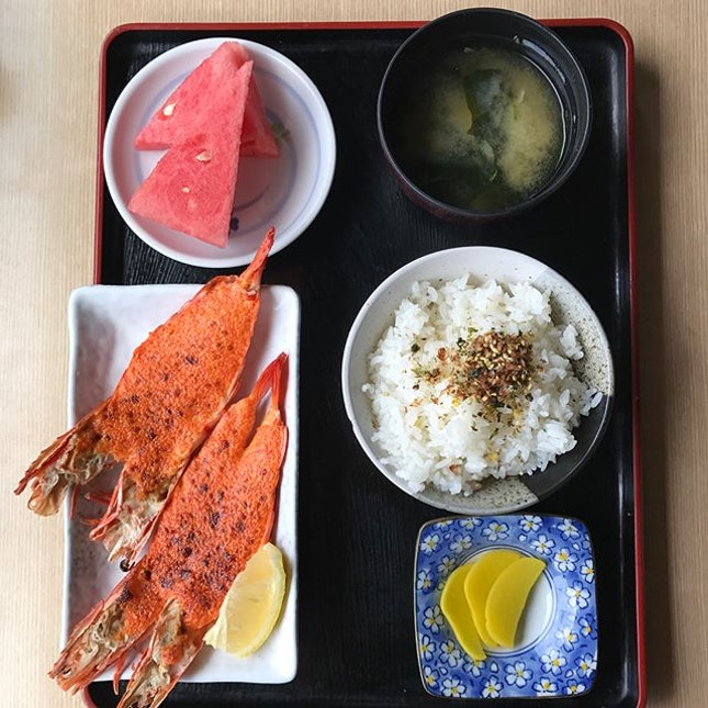 Ebi mentaiyaki set [$19++] Each set comes with a standard bowl of Japanese white rice, pickled radish, miso soup, watermelon and lastly the main highlight- mentaiko prawns!