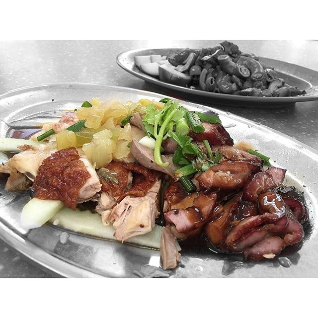 • Tender Juicy Chicken & Char siew!