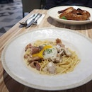 I appreciate the generous chunks of chicken and bacon in this Carbonara ($13.90++), just wished they actually did the same for the sauce too .