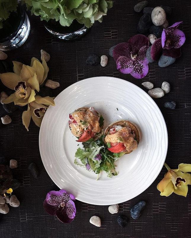 Lobster Egg Benedict ( $30 ).
