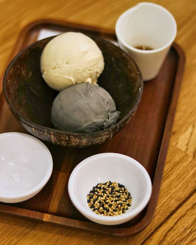 Have been hearing quite a bit about Apiary's Sesame Treat ($12) and because it's so unconventional for a dessert in Singapore, I have been really keen to try it!