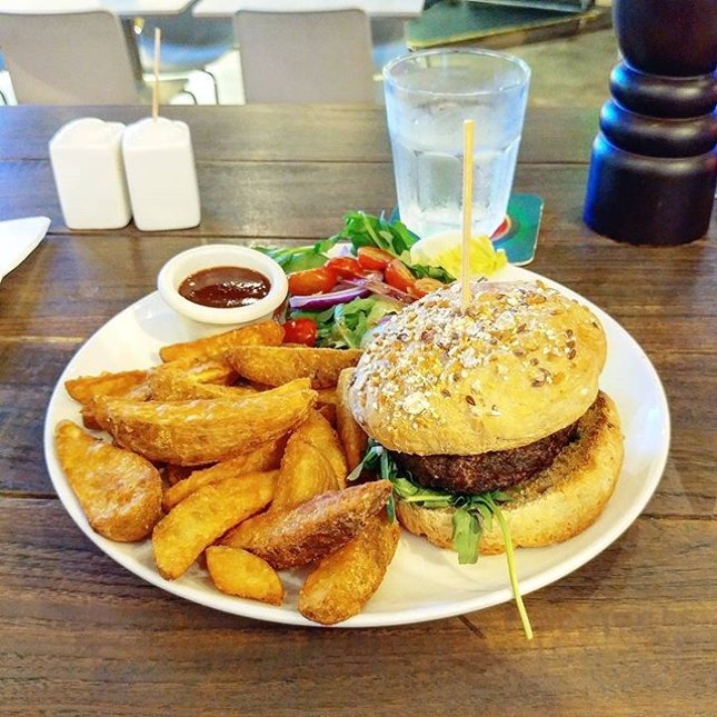 Kangaroo burger ($25++).