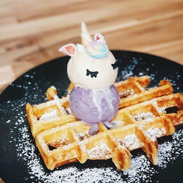 I like the unicorn, @etyuenyee likes the waffles.