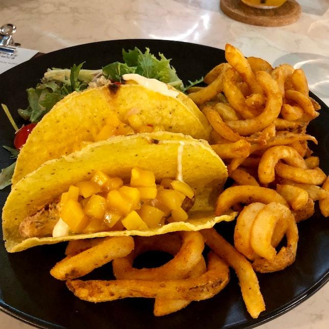 Crispy Fish Fillet Tacos With Mango Salsa [$23++]