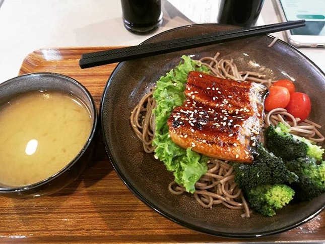 Spotted this new place, order #soba  with #grilledunagi extra broccoli 🥦  #sgfood #sgeat #hungrygowhere #instag #instagfood #foodpic #burpple #sgcafe #whati8tdy #grabfood #japanesefood #healthyfood