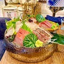 I dislike eating cooked fish cos of its fishy smell and taste - but raw fish I like ...especially such sashimi platter.