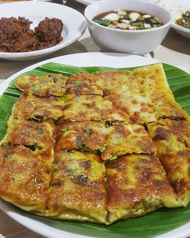 The search of Martabak Mesir with vinegary sauce did not go in vain.