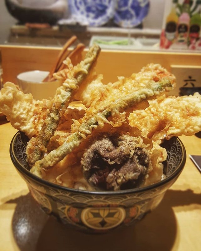 I do believe that rainy weather doesn't just call for soup, but also for piping hot tempura!